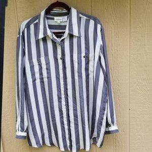 NWOT grey/white shirt